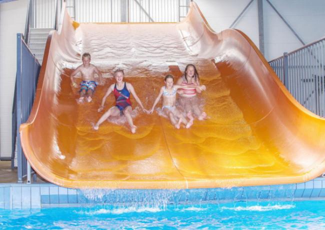Land-van-Bartje-1-Overdekt-zwembad
